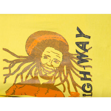Incynk Half Sleeves Printed Cotton Tshirt For Men_Mht209yl - Yellow