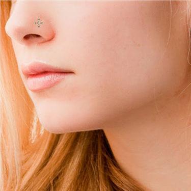 Avsar Real Gold & Swarovski Stone Supriya Nose Pin_Av21yb