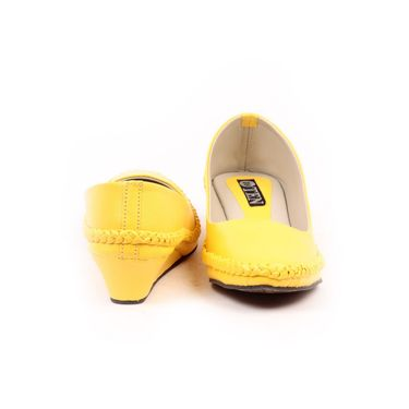 Ten Synthetic Leather Yellow Bellies -ts248